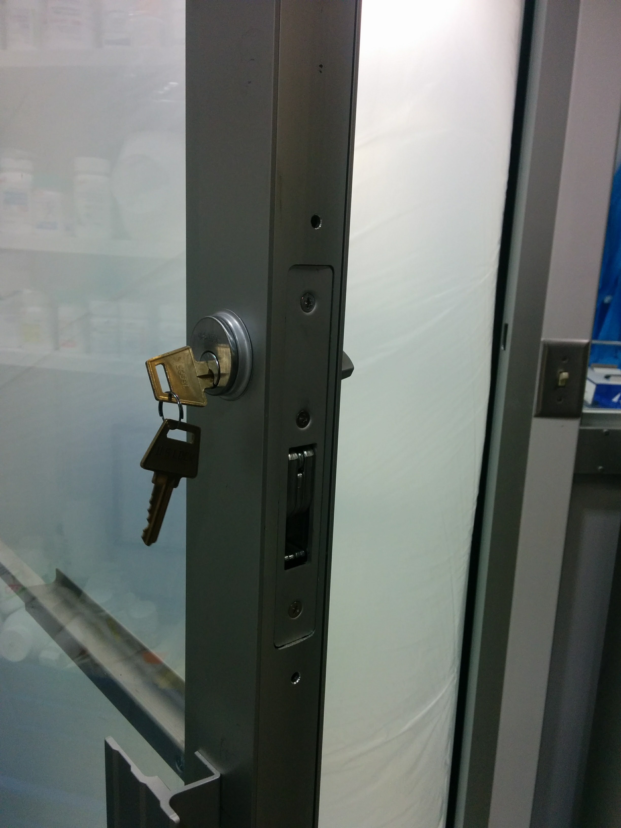 Aluminum Stile Lock Installs Locksmith And Safes